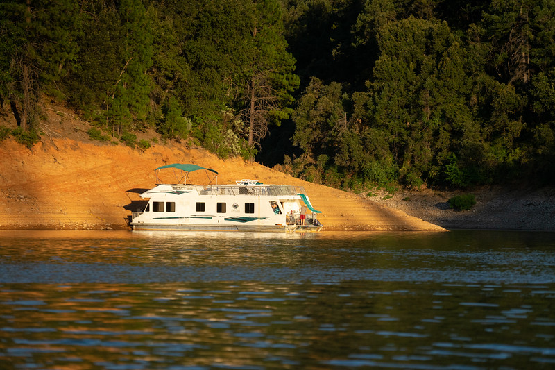 1908_15_shasta_houseboat-01299.jpg