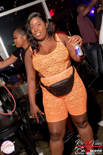 GAL FARM THURSDAYS PRESENTS IT'S GLOW NEON EDITION-112.jpg
