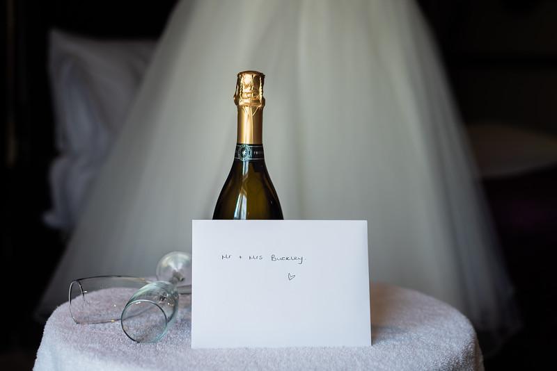 01 Bridal Prep-30.jpg