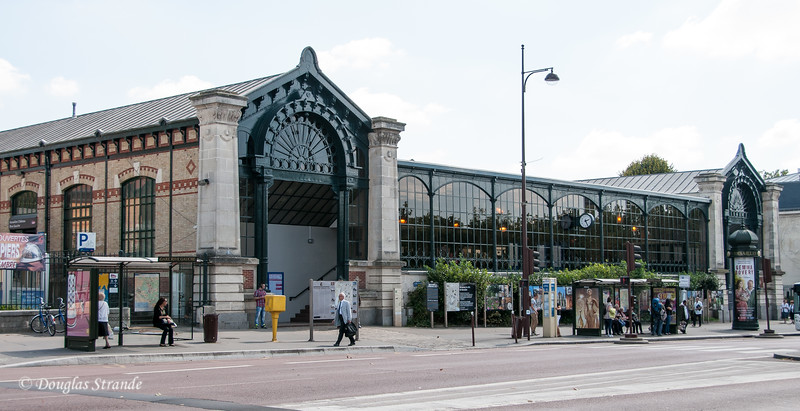 The Versailles train station