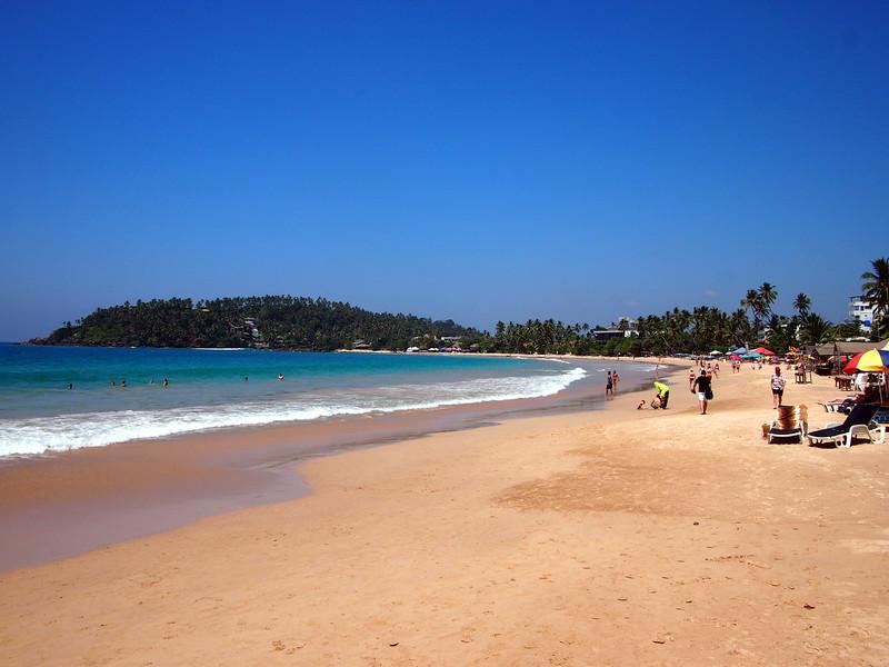 P2219065-mirissa-beach.JPG