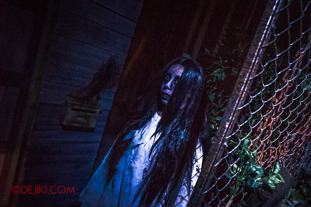 USS Halloween Horror Nights 8 – Pontianak haunted house – Scares from the back alley 2