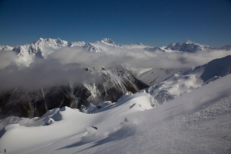Skiing in the Ragged Range Southern Alps NZ (MR).jpg