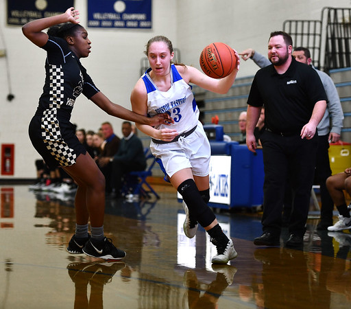 2/20/2020 Mike Orazzi | StaffrBristol Eastern's Jordan Ouellette (33) during Thursday night's CCC girls basketball game with East Hartford in Bristol. r