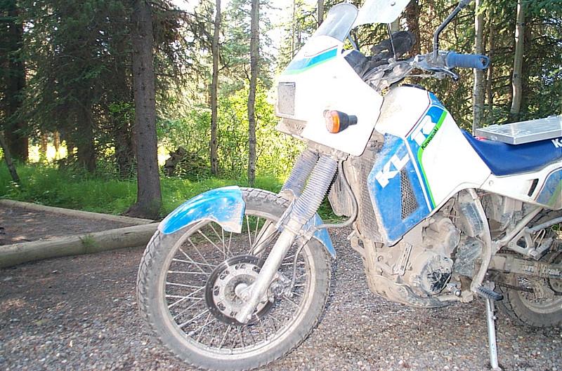 KLR 650 with broken front fender