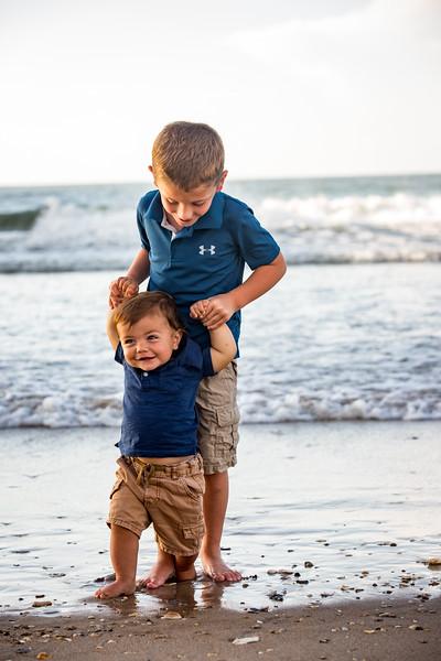 Family beach photos-148.jpg