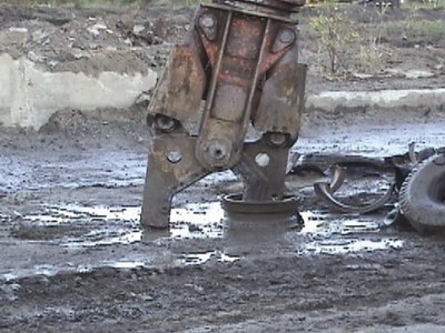 NPK M20K demolition shear-scrap metal reycling.jpg