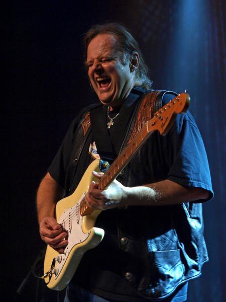 Walter Trout Bluesfestival Hoogeveen 14-11-09 (86).jpg