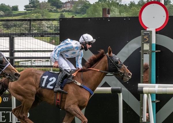 Race 6 - First Du Charmil