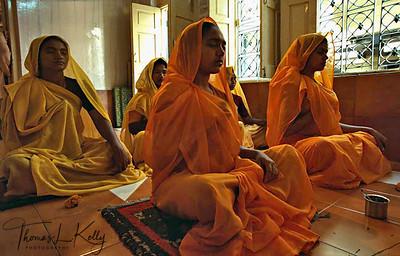 Sadhvis in meditation. Ujjain, India.