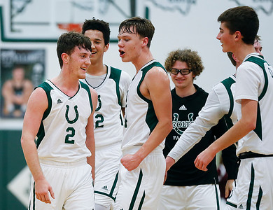 Holliday scores 1,000th point as Cloverleaf routs Woodridge