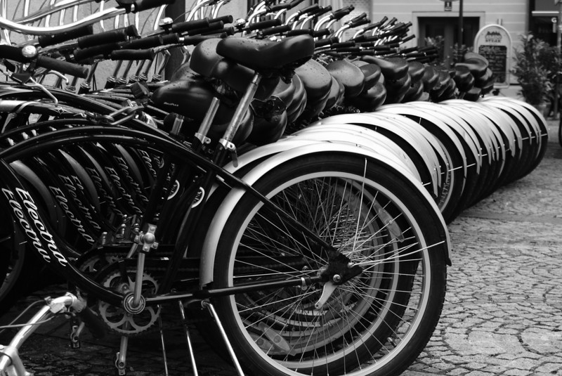 There are a lot fo bikes in Munich.