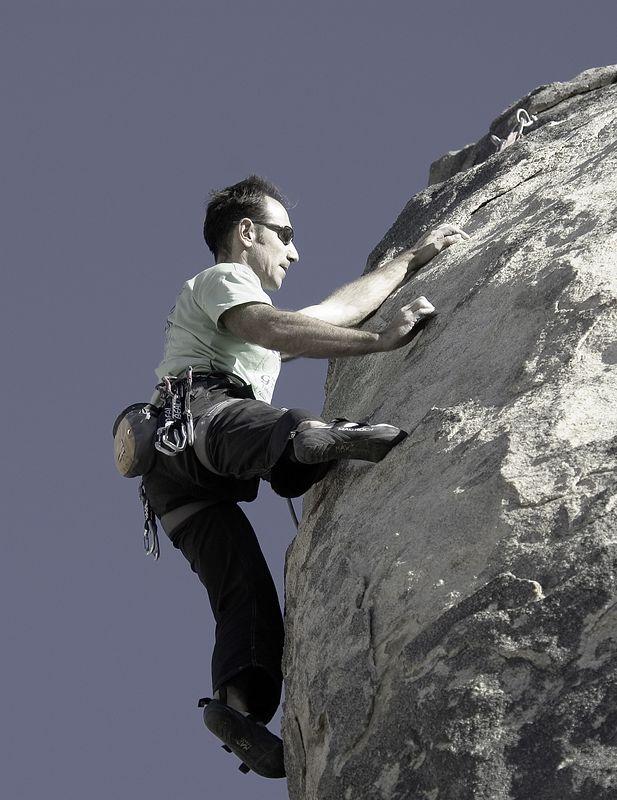 04_12_11 climbing high desert NIKON D70 0065.jpg