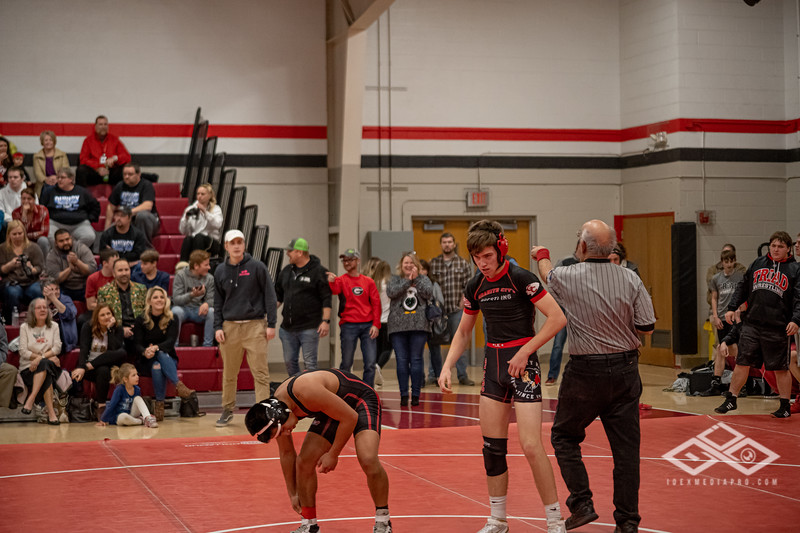 Wrestling at Granite City-09195.jpg
