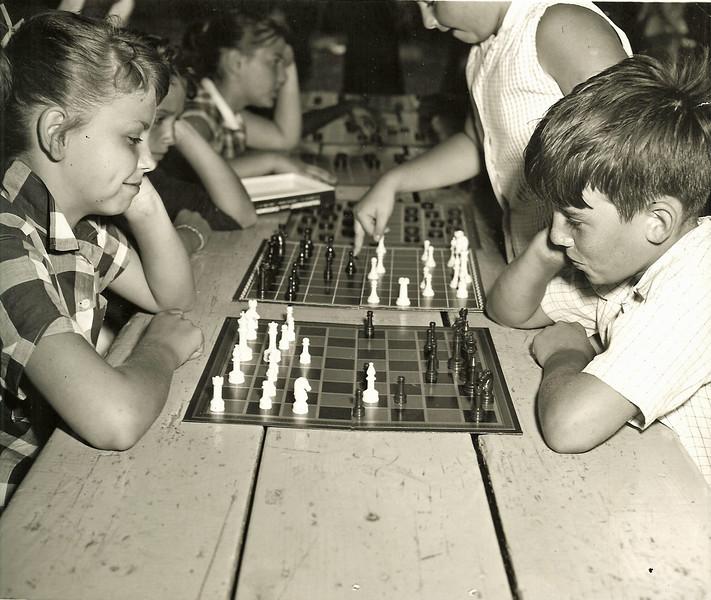 chess Game 1960 Biertemple Park.jpg