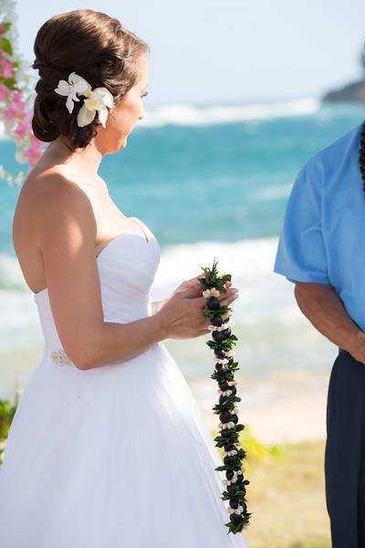 gillin beach kauai wedding-76.jpg