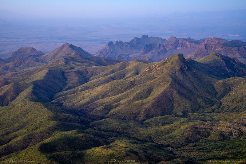 Chisos_Mountains_Sierra_de_la_Punta_Big_Bend_Scenery_DSC2039.jpg