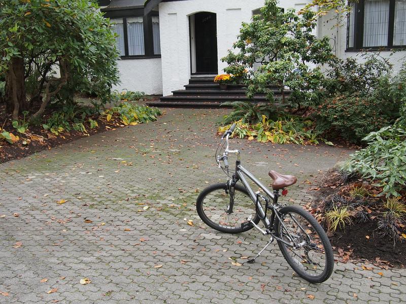 Oct. 20/13 - My rented bike on Chilco Street