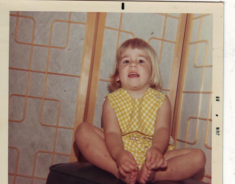 Lisa June 1969.JPG