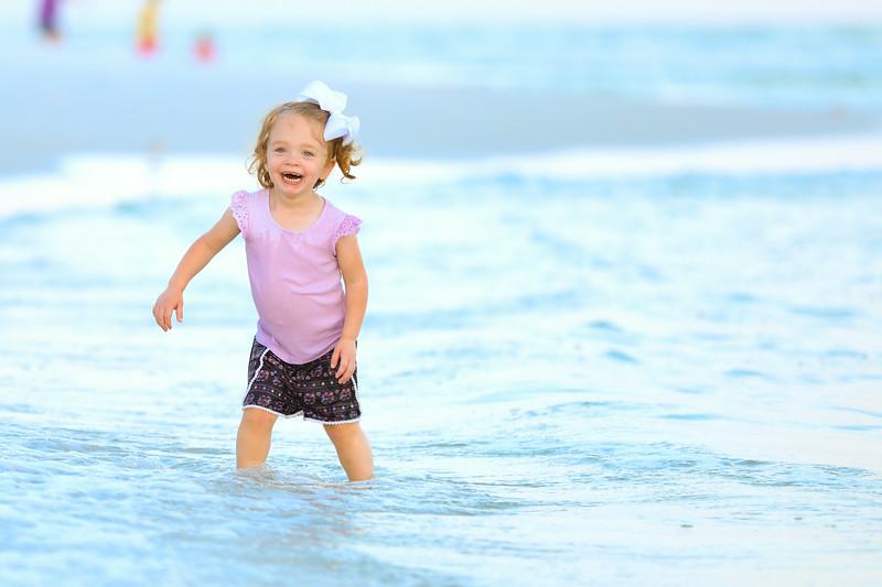 Harper at the beach-33.jpg
