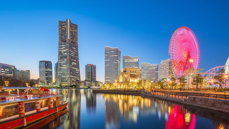 Yokohama at sunset. Editorial credit: Nattee Chalermtiragool / Shutterstock.com