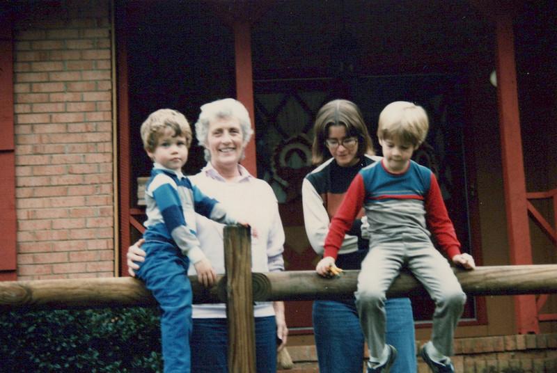 AJ, Viv, Elaine, Max 1985 (1).jpeg