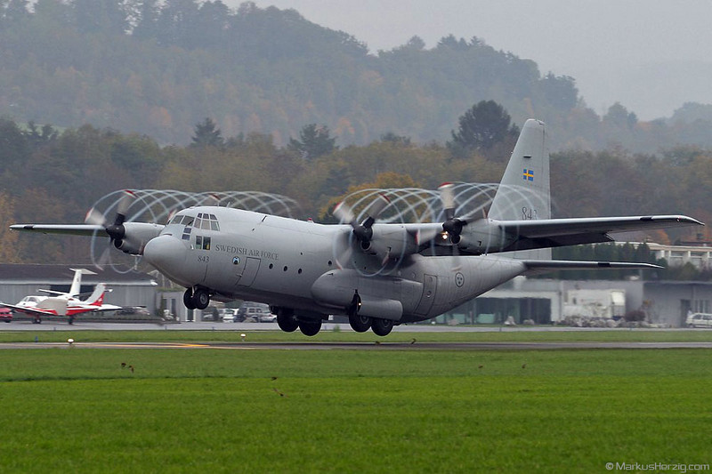 843 C130 Swedish Air Force @ Bern Switzerland 20Oct03