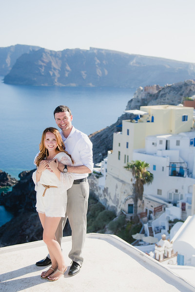 engagement-destination-santorini-propsal-couples-portraits-001.jpg