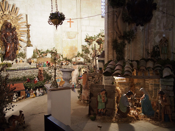 Christmas creche in Bonnieux