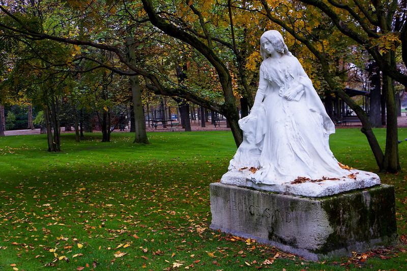 Paris George Sand Statue 0986.jpg