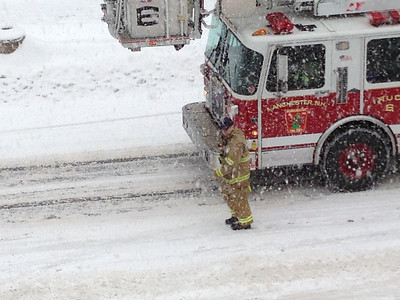Manchester NH Fire Dept Truck-6 In Action 02/13/2014
