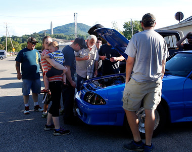 Billy T's Dairy Bar hosts first car show. 061616