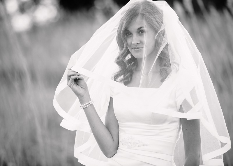 Amy Bridals 097bw.jpg