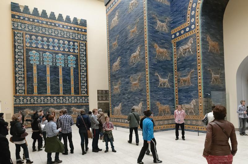 Bernd war ein paar Stunden im Pergamonmuseum während Helga und die Jungs mit Chrsitel Drachen lenken waren.