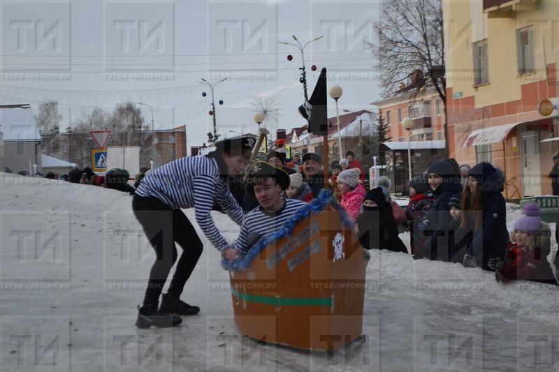 24.12.2018  Фестиваль креативных санок  автор: Эндже Галяутдинова