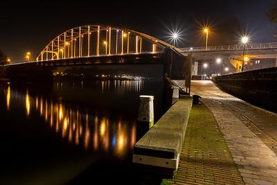 Deventer Wilhelminabrug kleurt oranje