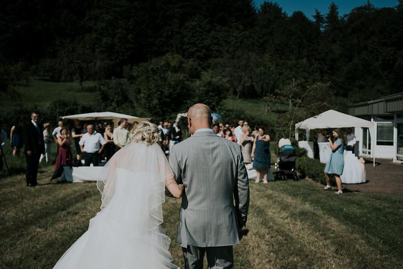 Tu-Nguyen-Wedding-Hochzeitsfotograf-Hochzeitsreportage-Neuwied-Bonn-Koblenz-Jan-Jessica-20.jpg