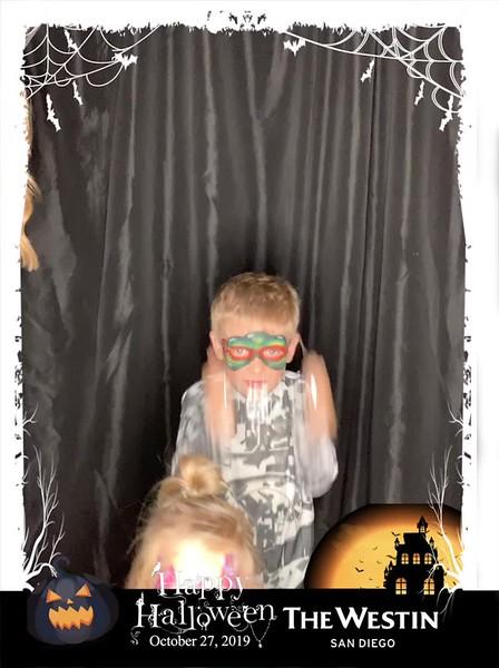 Westin_Halloween_Party_2019_boomerang_16.mp4