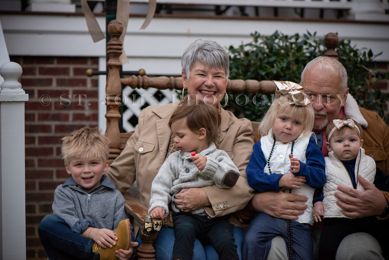 2019 November Ellis Family-256-283.jpg