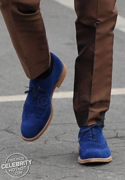 Put On Your Blue Suede Shoes! Matthew McConaughey In Flashy Dolce&Gabbana Suit + Blue Suede Tod's Shoes!