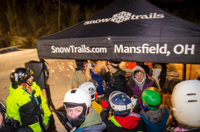 Nighttime-Rail-Jam_Snow-Trails-222.jpg