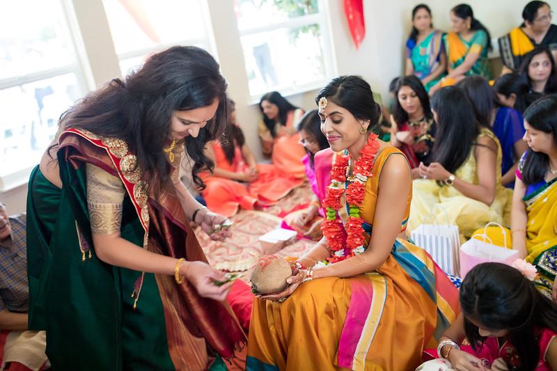 Hina_Pithi_Pooja-161.jpg