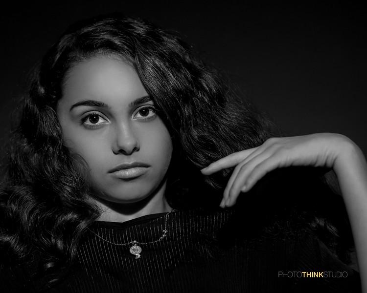 Mia Gomez Portrait2-5.jpg