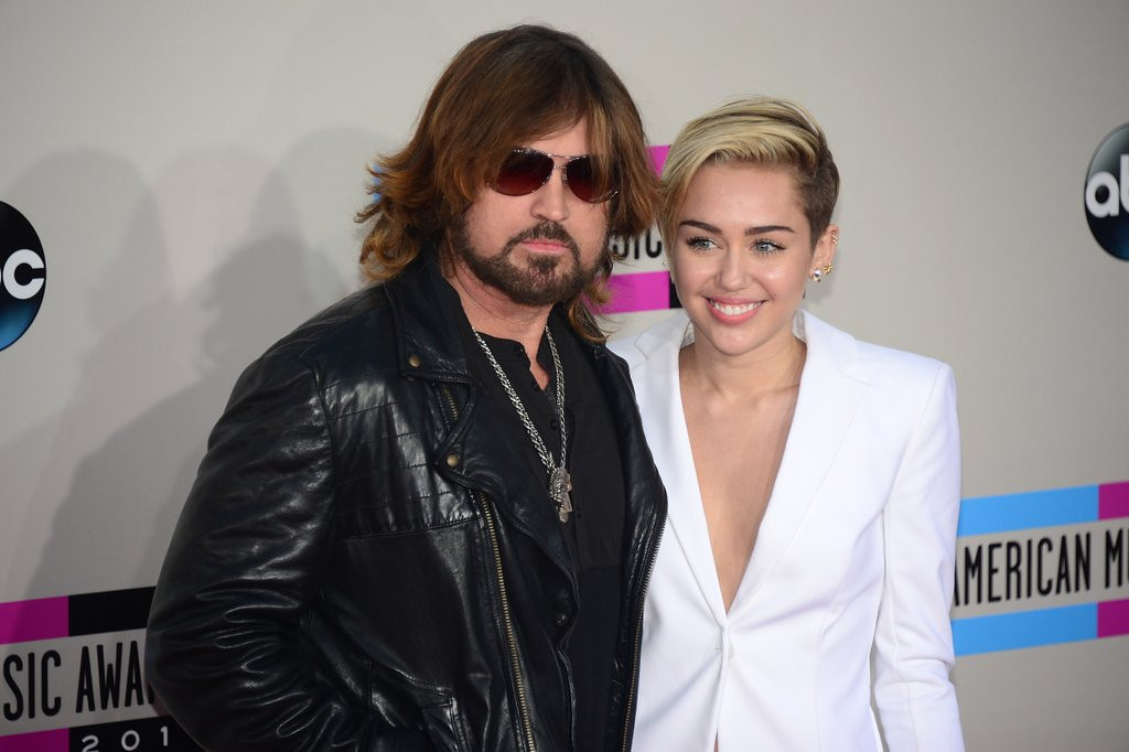 ". <p>6. (tie) BILLY RAY CYRUS <p>How to top the family�s most recent embarrassments? A rap version of �Achy Breaky Heart� should do it! (unranked) <p><b><a href=\'http://www.usatoday.com/story/news/nation-now/2014/02/12/bill-ray-cyrus-achy-breaky-heart-sequel/5415489/\' target=""_blank\""> HUH?</a></b> <p>     (Frederic J. Brown/AFP/Getty Images)"