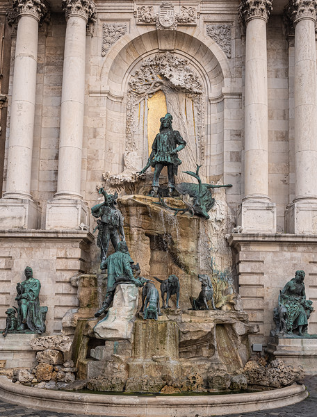 Matthias Fountain Buda Castle.jpg