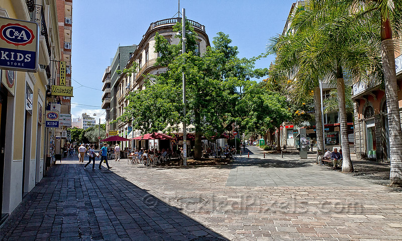 Calle del Castillo, Santa Cruz