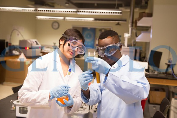 Barnabas Gikonyo and Students in Lab