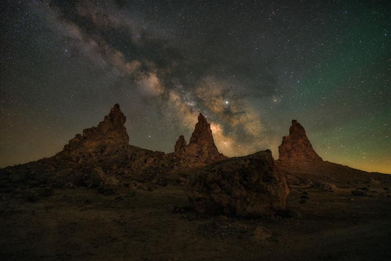 Made from 18 light frames by Starry Landscape Stacker 1.8.0.  Algorithm: Min Horizon Star Dupe