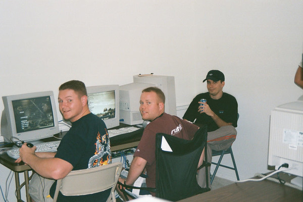 2001 11 - LAN Party at Doug's