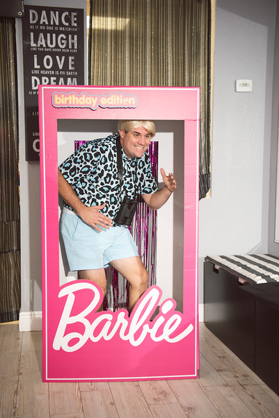2020-0104-delaney-barbie-party-11.jpg